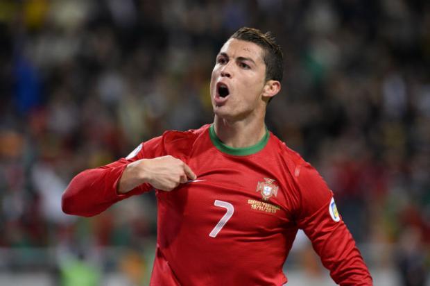 t_100656_favorito-a-bola-de-ouro-da-fifa-cristiano-ronaldo-teve-atuacao-monstruosa-e-classificou-portugal-para-a-copa