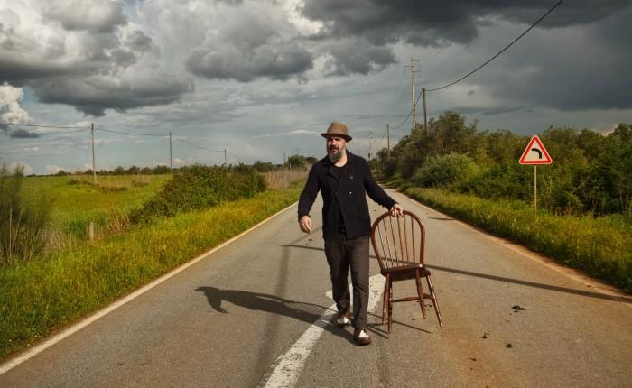 """Afonso Cruz: """"Tenho tido a sorte ou a ousadia de fazer o que quero egosto"""""""